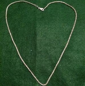 Woman's Silver twisted chain